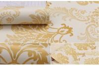 Ưu điểm nổi bật của decal cuộn họa tiết vàng