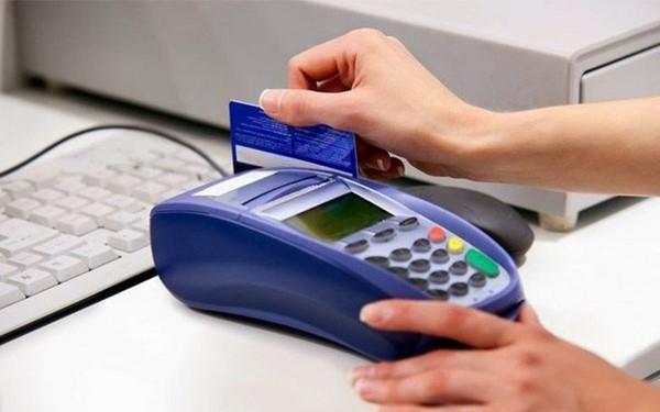 cách thay giấy máy quẹt thẻ